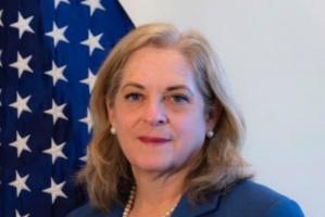 سفيرة أمريكا بالكويت نتعي الشيخ الصباح.. وهذا ما تمنته للأمير الجديد