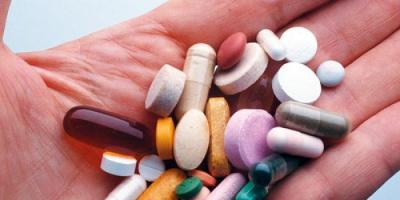 منها الإدمان.. تعرف على مخاطر تناول المهدئات على صحتك