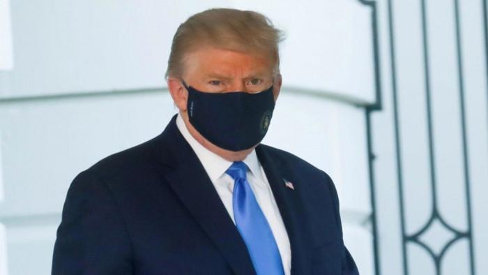 ترامب يحث الأمريكيين على توخي الحذر