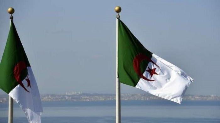الجزائر تعتزم إقامة شركة للنقل الجوي الداخلي