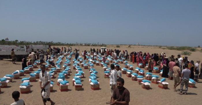"""""""هلال الإمارات"""" يغيث 350 أسرة نازحة في الخوخة"""