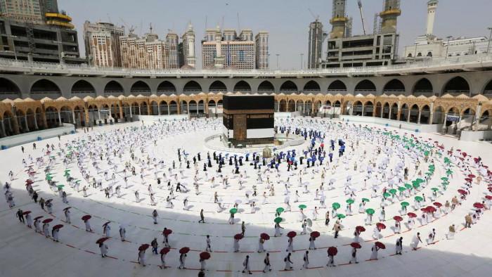 """أكثر من مليون مواطن ومقيم بالسعودية سجلوا عبر تطبيق """"اعتمرنا"""""""