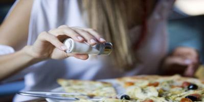 خطورة الأطعمة المملحة على صحة الإنسان