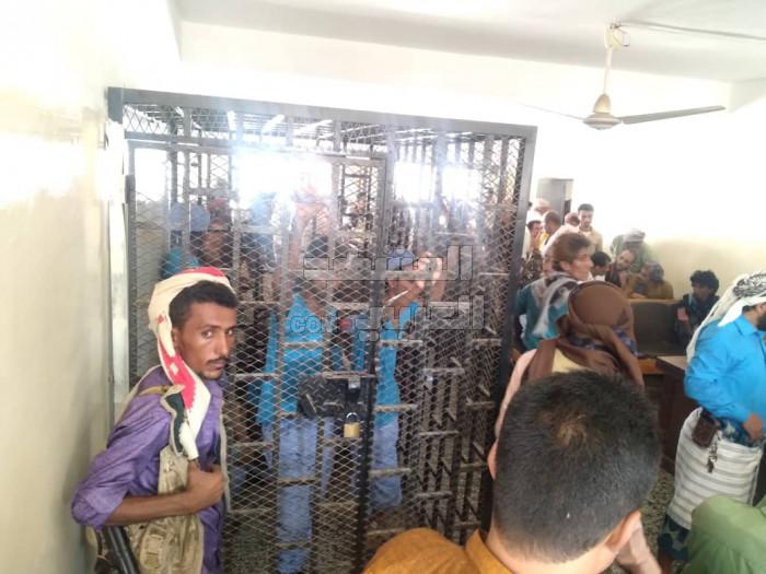 الحكم بإعدام مُتهمين بقتل الحدي والحميقاني (صور)