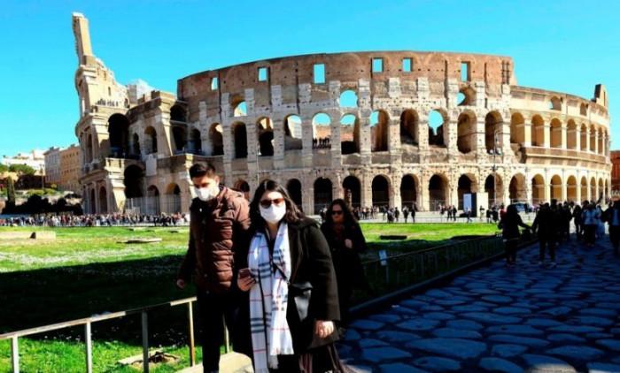 إيطاليا تفرض حظر تجول ليلي في العاصمة روما