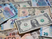 الدولار ينتعش مجدداً أمام سلة من العملات الرئيسية
