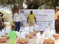 """بقافلة غذائية.. """"هلال الإمارات"""" يغيث 2000 فرد في رضوم"""