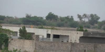 """""""آلة القتل"""" الحوثية تستهدف قرى غرب التحيتا"""