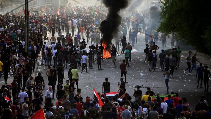 المشهد العربي | العراق: إصابة 37 مدنيا و14 من القوات الأمنية في المظاهرات