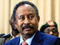 حمدوك: سترفع جميع القيود على سفر وتنقل السودانيين حول العالم