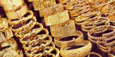 انخفاض طفيف في أسعار الذهب بالأسواق اليمنية اليوم الثلاثاء