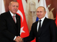 بوتين يعبر عن قلقه لأردوغان من إرسال تركيا مسلحين إلى إقليم كاراباخ