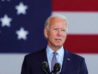 بايدن يدلي بصوته في الانتخابات الأمريكية (صور)
