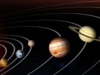 ناسا توثق كوكب المشترى مُحاطًا بانفجارات زرقاء