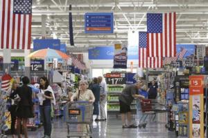 ارتفاع إنفاق المستهلكين في أمريكا بنحو 1.4% والدخل 0.9%