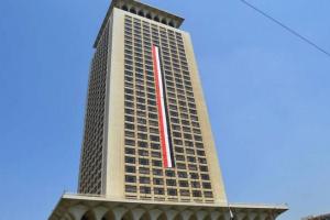 مصر تطالب بالوقوف بحزم بوجه التدخلات في ليبيا