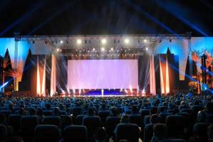 القائمة الكاملة لجوائز الدورة الرابعة لمهرجان الجونة السينمائي