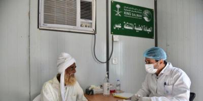 علاجات مجانية لـ 121 مريضًا في عبس