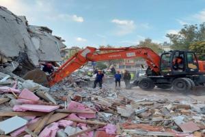 ارتفاع حصيلة ضحايا زلزال إزمير إلى 35 قتيلًا