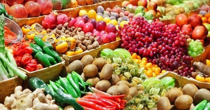ارتفاع الطماطم والبصل.. أسعار الخضروات والفواكه بعدن اليوم الإثنين