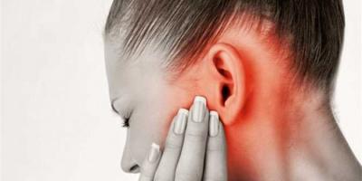 دراسة بريطانية تكشف.. طنين الأذن يفاقم أوضاع المصابين بكورونا