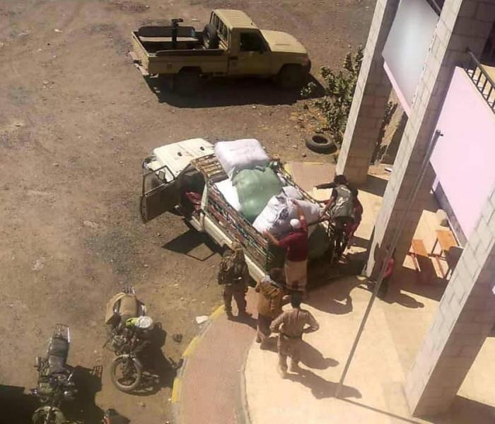 توزيع ملابس شتوية على المرابطين بجبهات الضالع