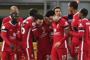 ليفربول يضرب ليستر سيتي بثلاثية ويتقاسم صدارة البريميرليج مع توتنهام