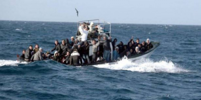 مصرع 100 مهاجر غير شرعي بعد غرق قاربهم