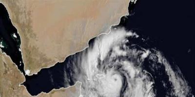 انحراف مسار الإعصار جاتي إلى خليج عدن
