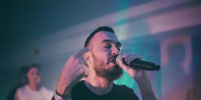 شركة Warner Music Middle East توقع مع المغني الفلسطيني THE SYNAPTIK