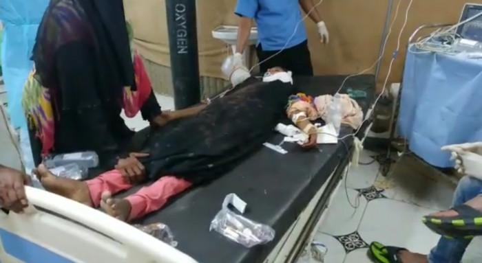 الرصاص أصاب رقبتها.. مليشيا الحوثي تقنص طفلة في الدريهمي (فيديو)