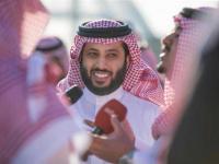 تركي آل الشيخ يعلن عودته إلى الرياض