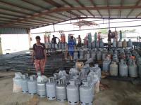أزمة اختفاء الغاز المنزلي تُحاصر أبين (صور)