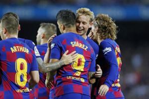 ميسي يقود هجوم برشلونة أمام أوساسونا
