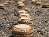 العرب: السكان يدفعون فاتورة الألغام الحوثية العشوائية