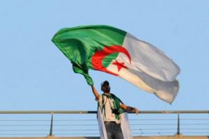 الجزائر تسجل 843 إصابة جديدة بكورونا و16 وفاة