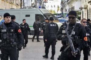 الجزائر تفكك شبكة متخصصة في المتاجرة بالأسلحة النارية والذخيرة الحية