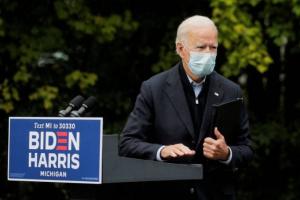 بايدن يعتزم مطالبة الأمريكيين بارتداء الكمامات لمدة 100 يوم