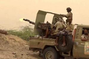 في اشتباكات بأسلحة ثقيلة.. طرد متسللين حوثيين من الحديدة