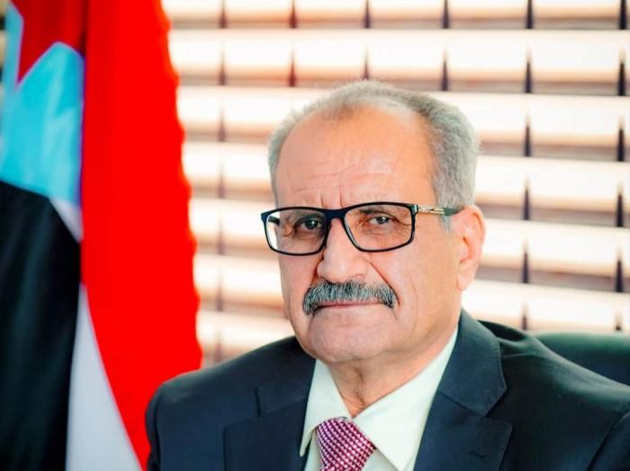 الجعدي يطالب بدعم حكومة المناصفة لتحسين الخدمات