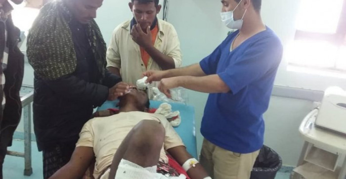 انفجار لغم بحري حوثي يُصيب صيادًا بالتحيتا