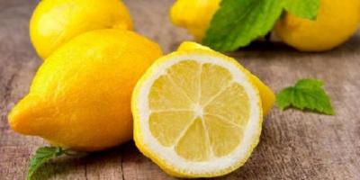 سر استخدام عصير الليمون في علاج دوالي القدمين