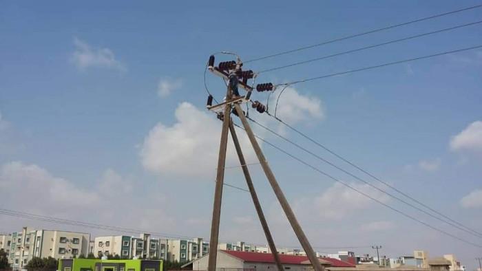 انطلاق أعمال صيانة بأحد خطوط كهرباء العاصمة (صور)