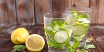 حافظ على رطوبة جسمك طوال اليوم بهذه المشروبات