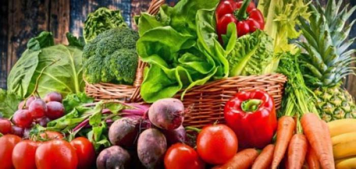 استقرار أسعار الخضروات والفواكه بأسواق عدن اليوم السبت