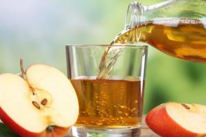 يحمي من السرطان.. أبرز فوائد عصير التفاح