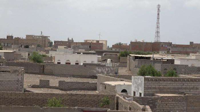 قصف حوثي يروع الأهالي شمال التحيتا