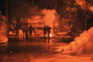مواجهات عنيفة في تونس بين الشرطة ومحتجين