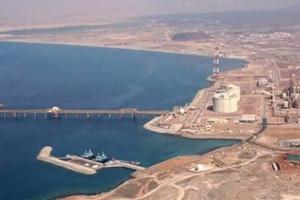 تجار الحروب يشعلون صراع النفط خوفا من تضييق مسارات التمويل