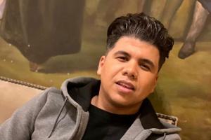 """عمر كمال يروج لأغنيته الجديدة """"يا أحلى عيون"""""""